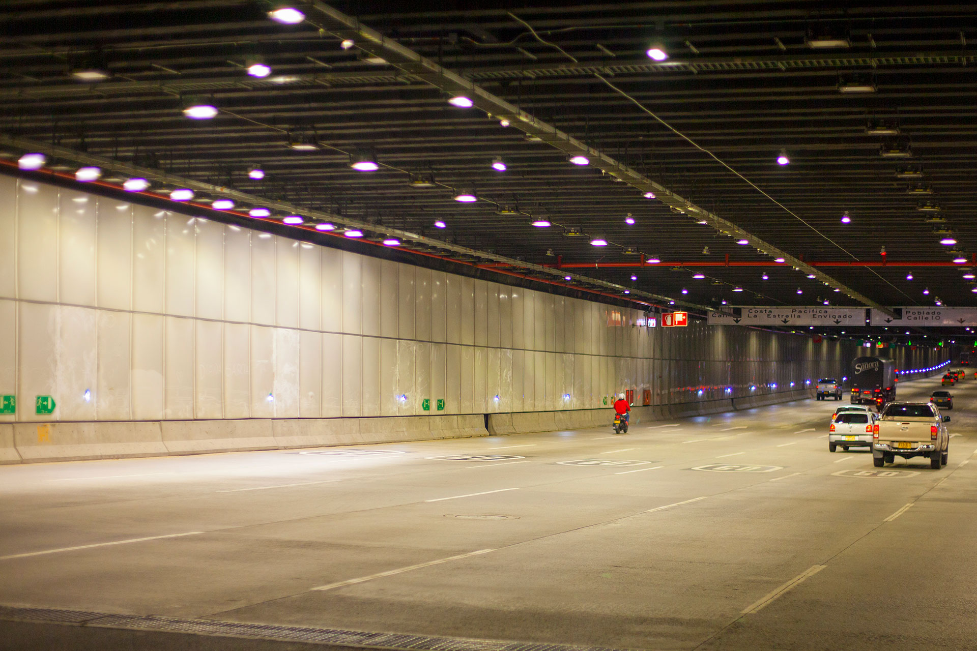 Schréder tunnel lighting solution delivers safety and comfort for Parques del Medellin Tunnel
