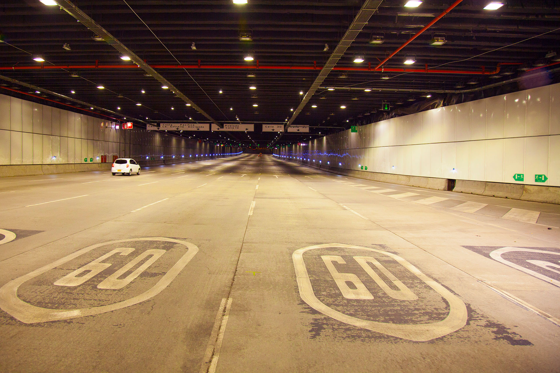 Schréder tunnel lighting solution enhances motorist experience in this busy city tunnel